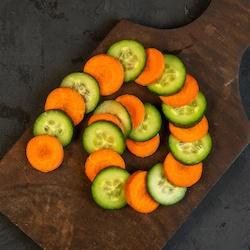 Pepinos y zanahorias